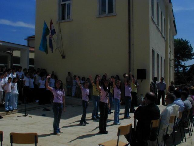 otvaranje škole, lipanj 2003. 3.JPG