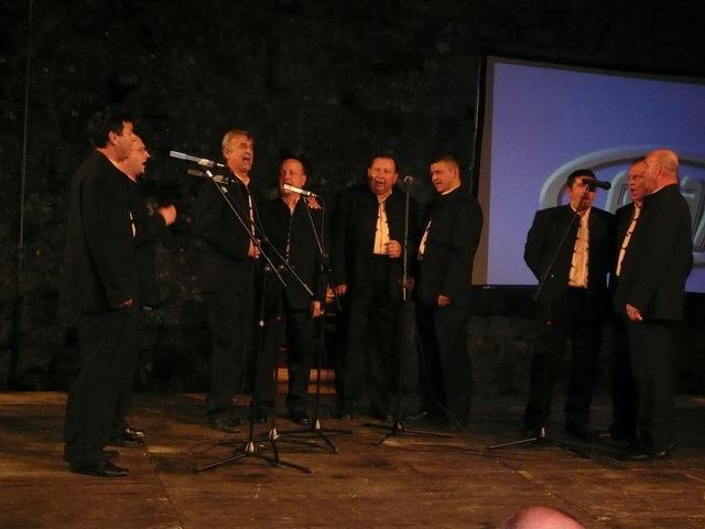Tivat, ljetna pozornica 20.04.2008.JPG